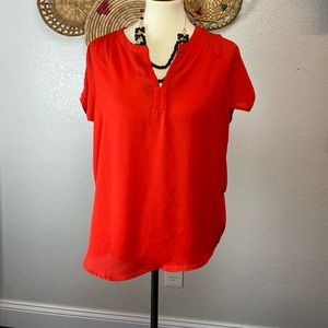 ANTHROPOLOGY Red flowy blouse SzM | office